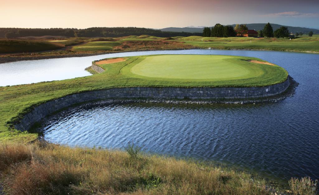 Eine der modernsten Golfanlagen Europas. Golf Valley zwischen München und Tegernse