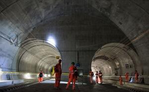 Bahntechnik Abhahme Gotthard-Basistunnel, Erstfeld, Zentralschwe