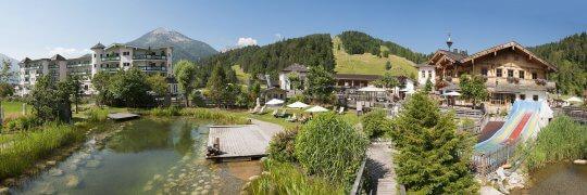 aussenansicht_hotel_und_see-alm_im_sommer_familienparadies_sporthotel_achensee