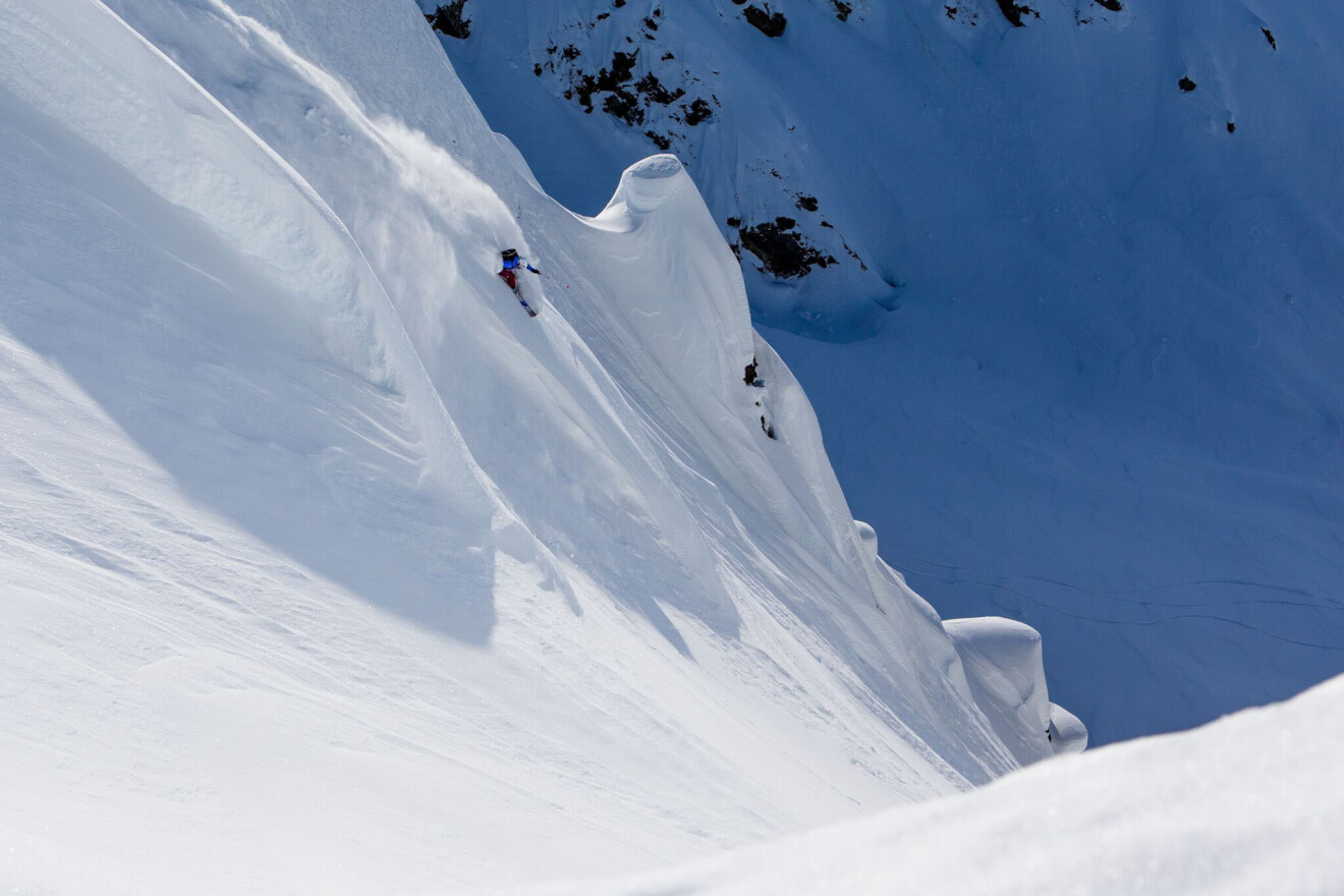 """Sam Anthamatten, Ralph Backstrom, Hadley Hammer und Johnny Collinson hatten sich vorgenommen, die sagenumwobene """"Corrugated"""" Line des Tsirku Gletschers zu bezwingen. Foto: The North Face"""